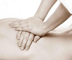 Puzle Pacienti, kteří jsou terapeutické masáže od fyzioterapeuta