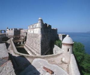 Puzle Pedro de la Roca hrad nebo Morro del Castillo, Santiago de Cuba, Kuba