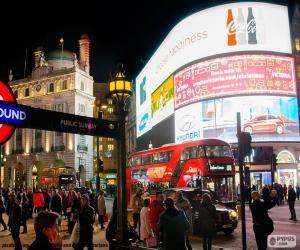 Puzle Piccadilly Circus – v Londýně