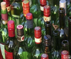 Puzle Prázdné láhve na víno