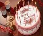 Narozeninový dort se svíčkami osvětlené