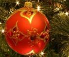 Vánoční koule zdobená geometrickými