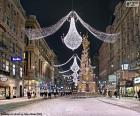 Ulice zdobená na Vánoce