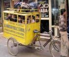 Školního autobusu v Indii