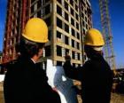 Technik poradenství v rovině stavební práce - architekt, mistr stavitel, množství nebo inženýr zeměměřič
