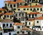 Typické domy vesnice Câmara de Lobos - Madeira - (Portugalsko)