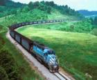 Nákladní vlak s mnoha vozů