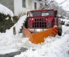 Sněžný pluh dělá svou práci