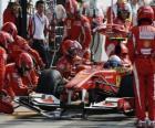 Fernando Alonso v boxech - Ferrari - Monza 2010
