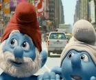 Taťka Šmoula a Nešika, v ulicích Manhattanu. - Šmoulové, film -