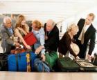 Několik lidí shromažďovat vaše zavazadla