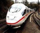 Vlak kuličky nebo vysokorychlostní osobní vlak