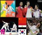 Pódium a oplocení mužů jednotlivé fólie, Lei Sheng (Čína), Abuelkasem Alaaeldi (Egypt) a Choi Byung-Chul (Jižní Korea) - London 2012-