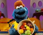 Cookie Monster s košíkem ovoce