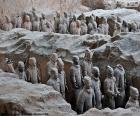 Terakotová armáda je sbírka soch v terakotových představující armády Qin Shi Huang, první čínský císař