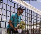 Pádlo tenista v síti