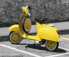 Žlutá Vespa
