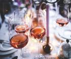 Víno růžové brýle