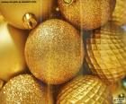 Zlaté kuličky na Vánoce