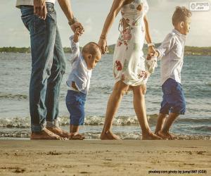 Puzle Rodinné procházky po pláži