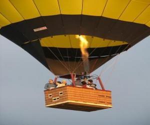Puzle Rodinný létání v balónu