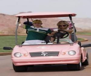 Puzle Ryan Evans (Lucas Grabeel), Sharpay Evans (Ashley Tisdale), ve golf auta