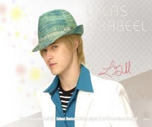 Puzle Ryan Evans (Lucas Grabeel), bratr Sharpay Evans (Ashley Tisdale)