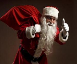 Puzle Santa Claus nesoucí pytel hraček a pěší kradmo