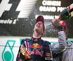 Puzle Sebastian Vettel v pódium
