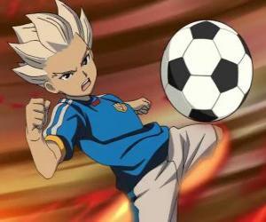 Puzle Shuya Gouenji nebo Axel Blaze, útočník a střelec týmu Raimon v dobrodružství od Inazuma jedenáct