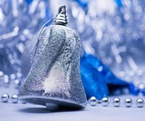 Puzle Stříbrné vánoční zvonek
