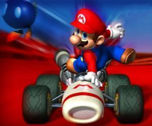 Puzle Super Mario Kart je závodní hra