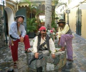 Puzle Tři piráti, kapitán a jeho pomocníci