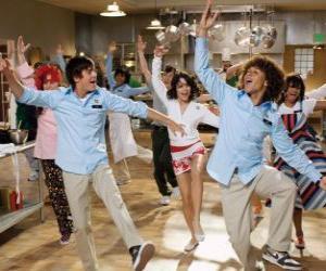 Puzle Tančí v kuchyni