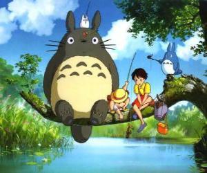 Puzle Tororo, král lesa a přátel v anime filmu Můj soused Tororo