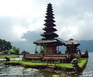 Puzle Ulun Danu Batur Temple