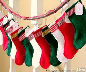 Puzle Vánoční ponožky v různých barvách