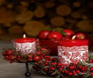 Puzle Vánoční svíčky zapálil a zdobené červených bobulí