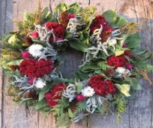 Puzle Vánoční věnec z různých rostlinných prvků