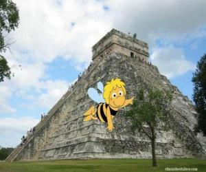 Puzle Včelka Mája v přední části mayského chrámu