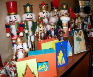 Puzle Voják-formoval louskáček jako vánoční dekorace