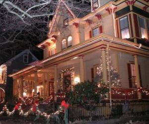 Puzle Vyzdobený dům na Vánoce