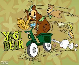 Puzle Yogi a Boo-Boo nese na motocykl
