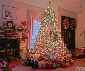 Puzle Zdobené vánoční jedle