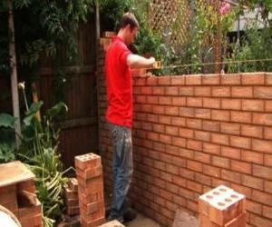 Puzle Zedník zvyšování zeď